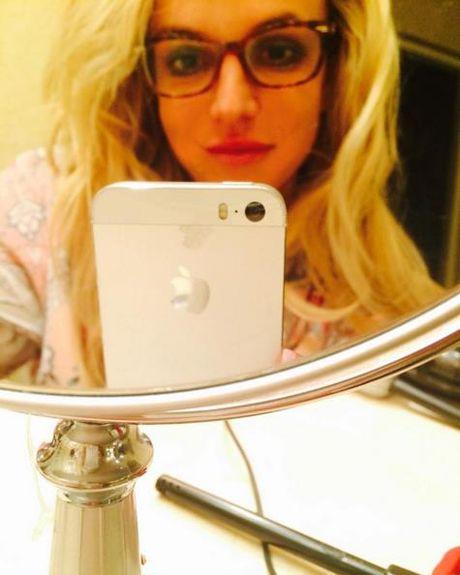 Britney tren Instagram : cong chua hay nang khung - Anh 14