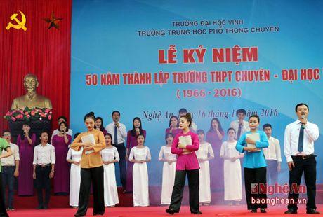 Pho Chu tich Quoc hoi Uong Chu Luu du le Ky niem 50 thanh lap Truong THPT chuyen Dai hoc Vinh - Anh 2