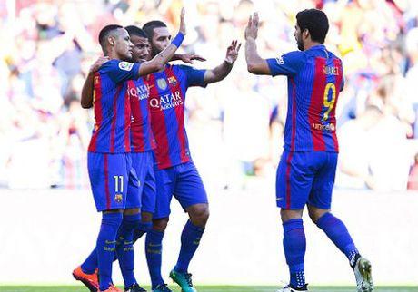 Barca mo tiec voi chien thang 4 sao truoc Deportivo - Anh 1