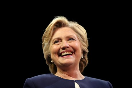 The chac thang cua Hillary Clinton ngay cang ro ret - Anh 1