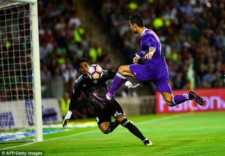 Vong 8 La Liga: Real, Barca 10 lan xe luoi doi thu - Anh 1