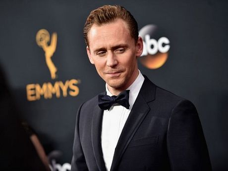 Tom Hiddleston bi Taylor Swift bo la boi qua hao danh? - Anh 1