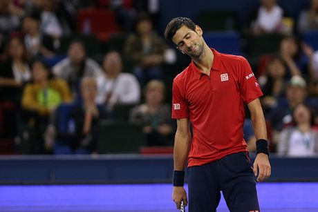 Xe ao, dap vot, Djokovic van thanh cuu vuong o Thuong Hai Masters - Anh 5