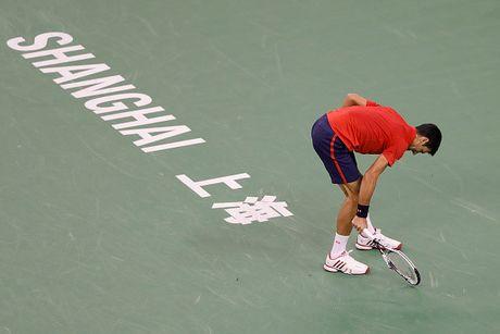 Xe ao, dap vot, Djokovic van thanh cuu vuong o Thuong Hai Masters - Anh 7