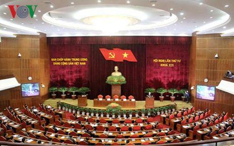 Chan chinh cong tac can bo, khong nhan rong 'mo hinh' chon nguoi nha - Anh 1