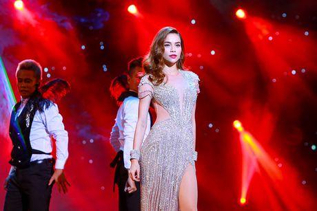 Ho Ngoc Ha nong bong tren san khau 'Diamond Show' cua Mr Dam - Anh 11
