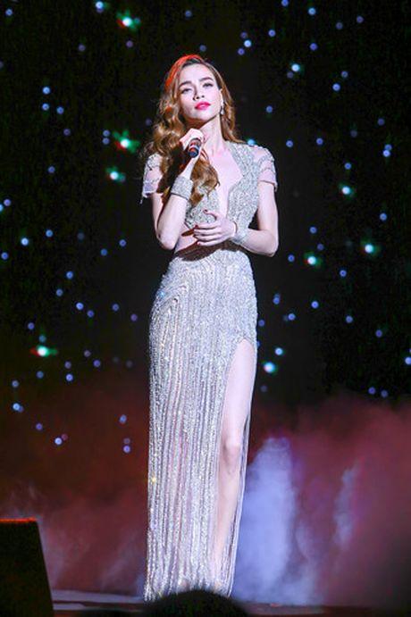 Ho Ngoc Ha nong bong tren san khau 'Diamond Show' cua Mr Dam - Anh 3