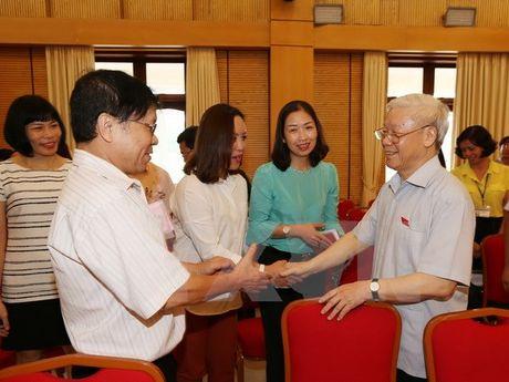 Tong Bi thu tiep xuc cu tri cac quan Ba Dinh, Hoan Kiem cua Ha Noi - Anh 1