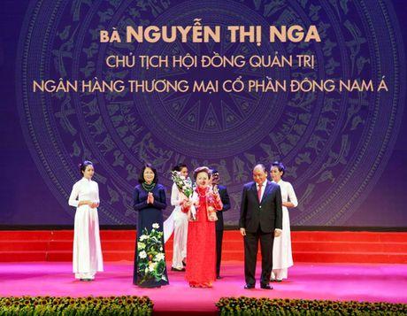 Chu tich HDQT SeABank va Tap doan BRG duoc dien dan kien thuc the gioi vinh danh 'Doanh nhan tieu bieu ASEAN 2016' - Anh 2