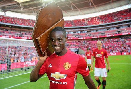 Cham diem cac tan binh mua he cua Man United va Liverpool - Anh 1