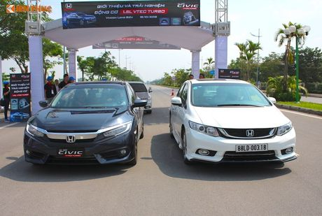 Cam lai Honda Civic 2017 i-VTEC Turbo 1.5l tai Ha Noi - Anh 2