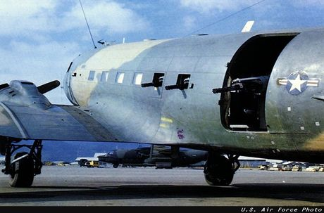 Philippines tinh thay the OV-10 bang may bay gunship BT-67 - Anh 3