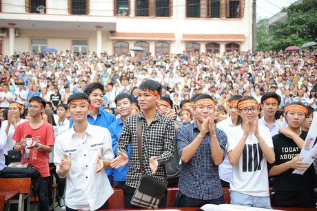 Gan 3.000 sinh vien Thai Nguyen huong ung xoa bo dinh kien gioi - Anh 1
