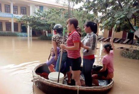Quang Binh: Co khoang 40% so hoc sinh chua the den truong - Anh 1