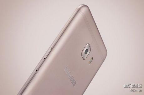 Lo anh render smartphone Samsung Galaxy C9: diem nhan dai ang-ten doc dao - Anh 3
