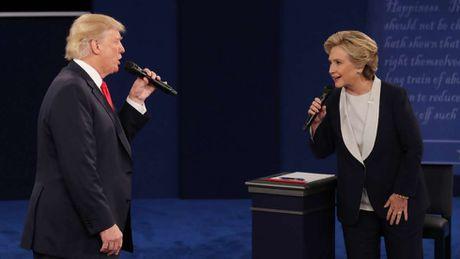 Bau cu My: Ba Clinton dang thang the truoc cuoc tranh luan lan 3 - Anh 1
