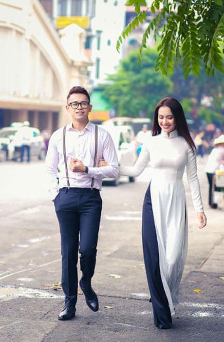 Duc Bao, Ai Phuong tay trong tay dao pho Ha Noi - Anh 6