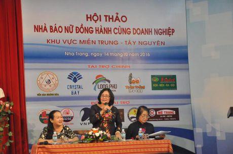 Hoi thao 'Nha bao nu dong hanh cung doanh nghiep' - Anh 1