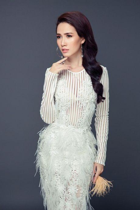 Phan Thi Mo tung bo anh sexy sau khi duoc ban trai tang nhan tien ti - Anh 6