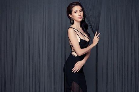 Phan Thi Mo tung bo anh sexy sau khi duoc ban trai tang nhan tien ti - Anh 8