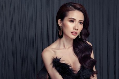 Phan Thi Mo tung bo anh sexy sau khi duoc ban trai tang nhan tien ti - Anh 9