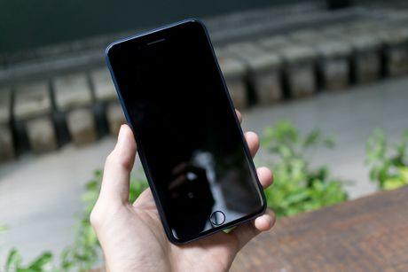Tren tay bo op lung Uniq danh cho iPhone 7 va iPhone 7 Plus - Anh 11