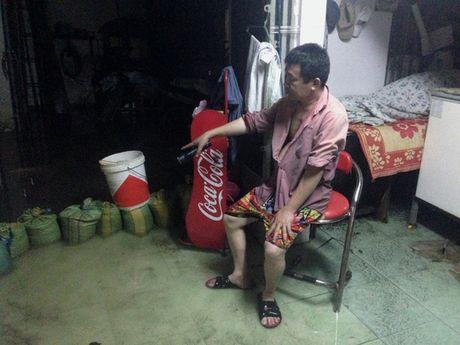 """Dan Thu Duc trang dem """"danh vat"""" voi ngap nuoc - Anh 2"""