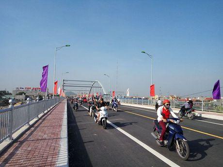 Hai Phong: cau Niem duoc thong xe tro lai - Anh 1