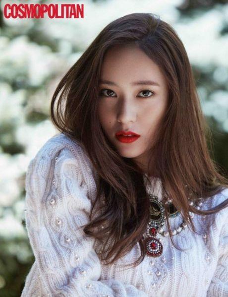 Chi em nha Jung, Red Velvet khoe ve goi cam tren tap chi - Anh 2