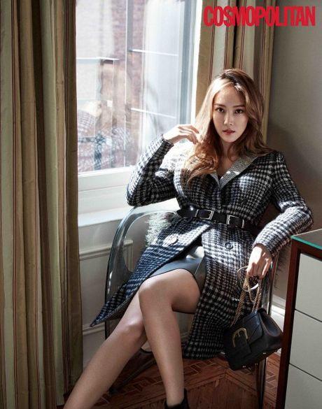 Chi em nha Jung, Red Velvet khoe ve goi cam tren tap chi - Anh 3