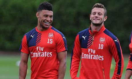 Chamberlain doi roi Arsenal: Dung de chay mau chat xam - Anh 1