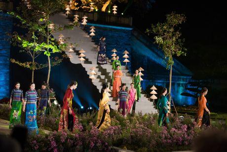 Festival Ao dai Ha Noi 2016: Nguoi thoi hon cho lua - Anh 7