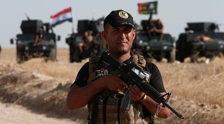 Iraq tan cong tong luc giai phong Mosul khoi tay IS - Anh 1