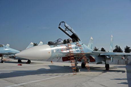 Phi doi trinh dien khong quan Nga nhan tiem kich Su-30SM - Anh 9