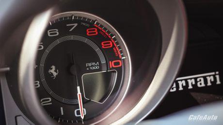 Ngam Ferrari 488 GTB trang lan banh tren duong pho Ha Noi - Anh 17