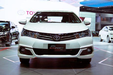 Toyota Corolla phien ban eSport 2016 ra mat tai Thai Lan - Anh 2