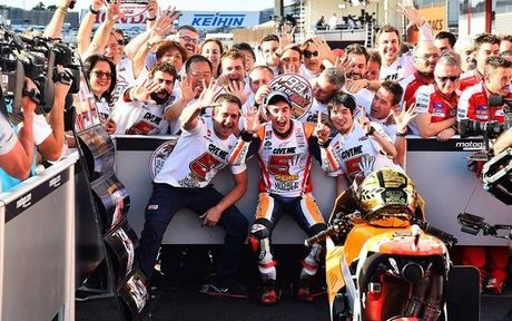 Honda thang lon, Marquez vo dich MotoGP lan thu ba - Anh 1