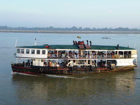 Chim pha o Myanmar, gan 100 nguoi thiet mang va mat tich - Anh 1
