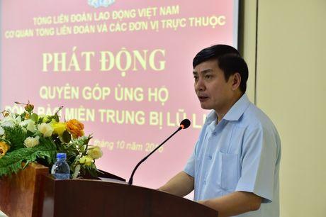 180 trieu dong giup cac tinh mien Trung khac phuc hau qua mua lu - Anh 2