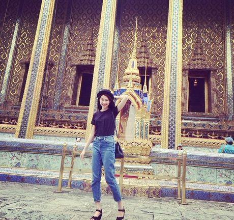 Cuoc song dang sau anh den san khau cua Hoa hau 'sach nhat' Viet Nam - Anh 20