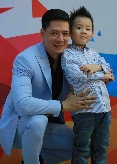 Con trai Le Phuong di xem me thi gameshow - Anh 2