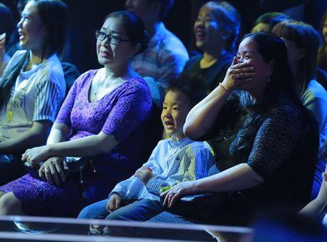 Con trai Le Phuong di xem me thi gameshow - Anh 4