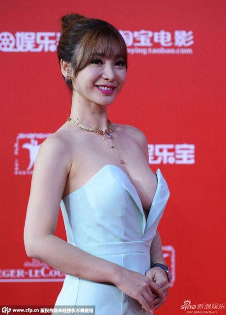 'Sieu vong 1' Lieu Nham dep khong ti vet voi dam nude - Anh 2