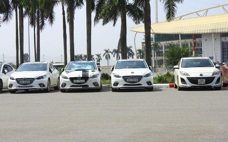 Choang ngop dan Mazda 3 hoi ngo tai Ha Noi - Anh 10