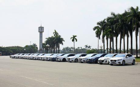 Choang ngop dan Mazda 3 hoi ngo tai Ha Noi - Anh 13