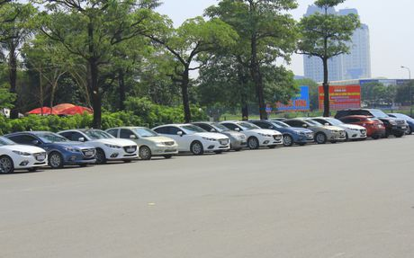 Choang ngop dan Mazda 3 hoi ngo tai Ha Noi - Anh 14