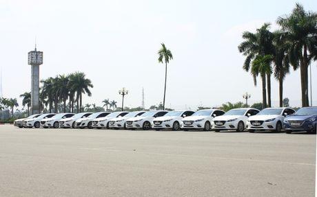 Choang ngop dan Mazda 3 hoi ngo tai Ha Noi - Anh 16