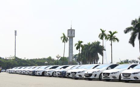 Choang ngop dan Mazda 3 hoi ngo tai Ha Noi - Anh 2