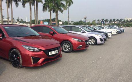 Choang ngop dan Mazda 3 hoi ngo tai Ha Noi - Anh 5