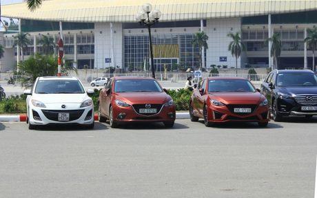 Choang ngop dan Mazda 3 hoi ngo tai Ha Noi - Anh 7